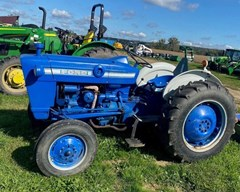 Tractor - Utility For Sale 1976 Ford 2000