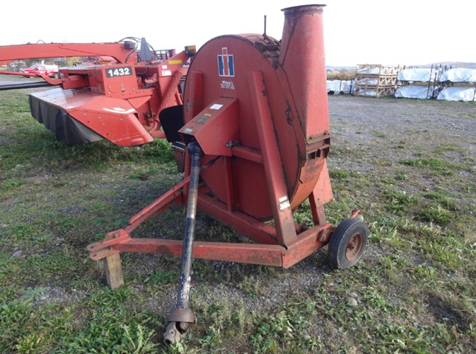 IH 600 FORAGE BLOWER Forage Boxes and Blowers For Sale