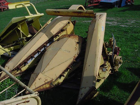 New Holland 880R2 Forage Head-Row Crop For Sale