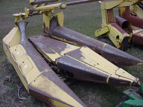 New Holland 822 Forage Head-Row Crop For Sale